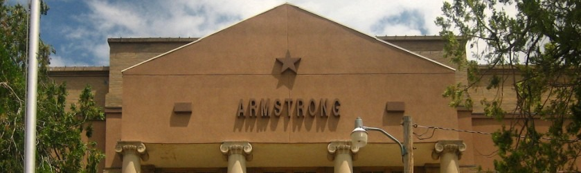 Photo of the front of the courthouse in Armstrong County, Texas